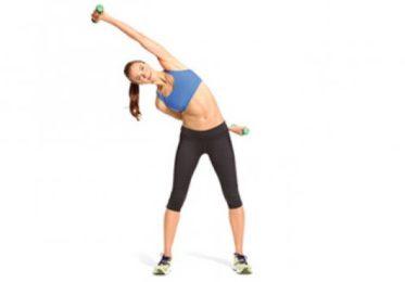 Упражнение наклоны в стороны с гантелями