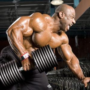 Тяга гантели одной рукой в наклоне поможет хорошо проработать мышцы спины